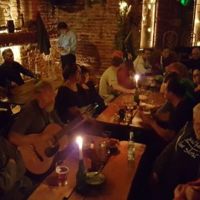 Gitarą i piórem … czyli śpiewanki