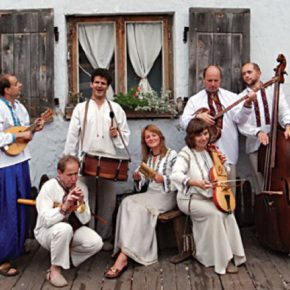 Folkowy koncert sezonu !!!...czyli 20 lecie zespołu Drewutnia